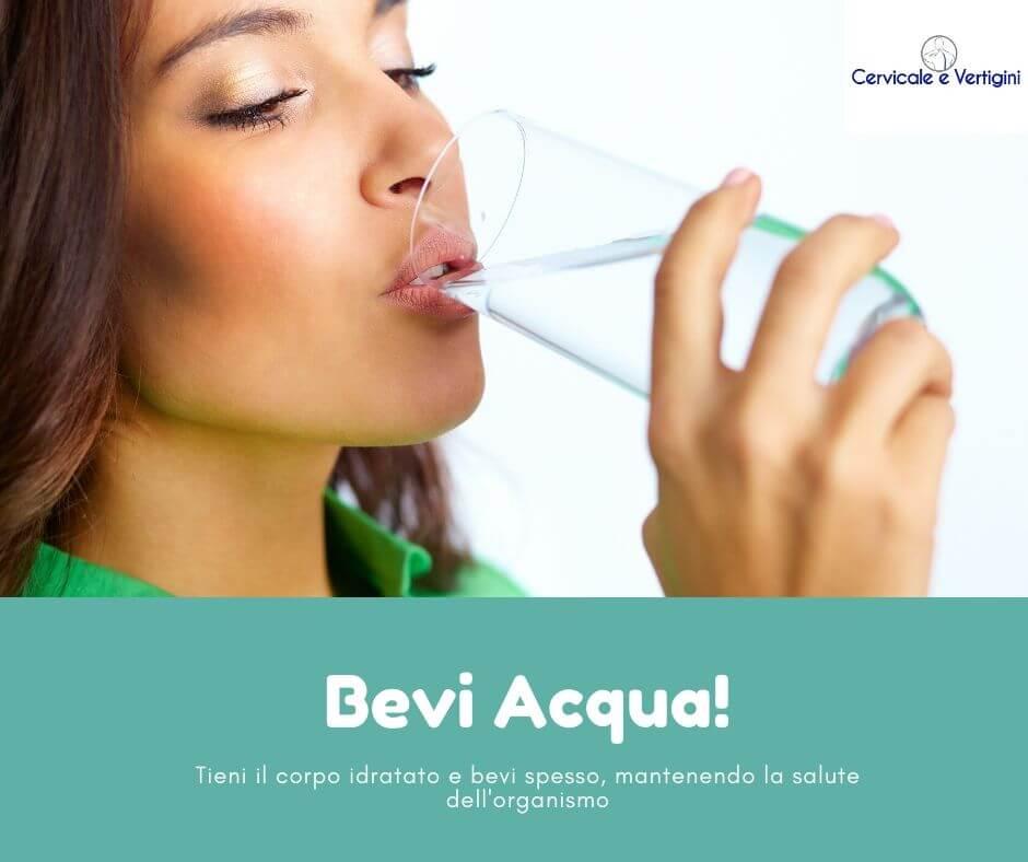 Bere acqua per confusione mentale